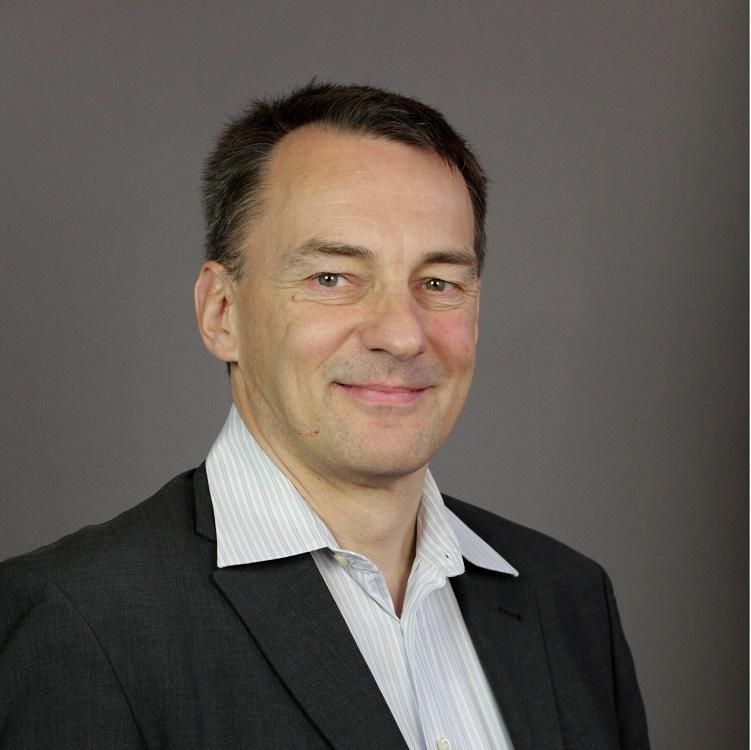 Porträt Dr.Oliver Domzalski